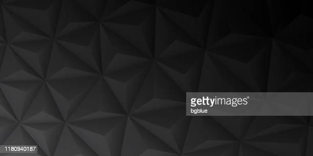 illustrations, cliparts, dessins animés et icônes de texture géométrique abstraite - bas poly contexte - mosaïque polygonale - gradient noir - couleur noire