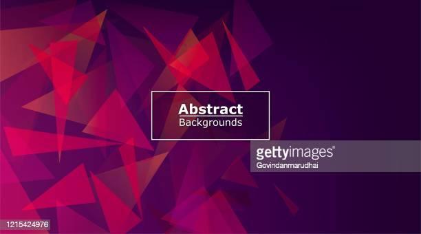 ilustraciones, imágenes clip art, dibujos animados e iconos de stock de fondo vectorial abstracto de forma de triángulo púrpura - ceremonia de entrega de premios