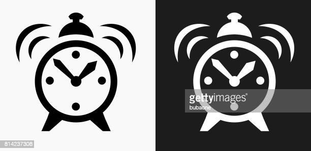 ilustrações de stock, clip art, desenhos animados e ícones de alarm clock icon on black and white vector backgrounds - acordar