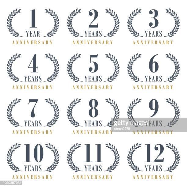 周年記念エンブレム セット - 1周年点のイラスト素材/クリップアート素材/マンガ素材/アイコン素材