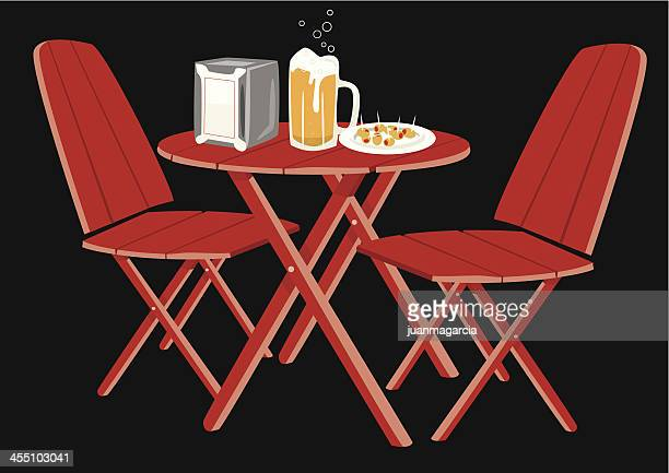 ilustraciones, imágenes clip art, dibujos animados e iconos de stock de aperitivos y de aceitunas cerveza taza - mesa de comedor