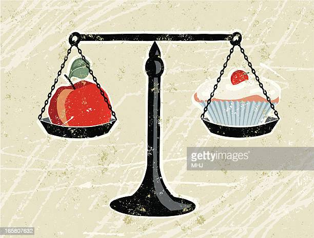 ilustrações, clipart, desenhos animados e ícones de cupcake de maçã e ser pesado na balança - alimentação não saudável