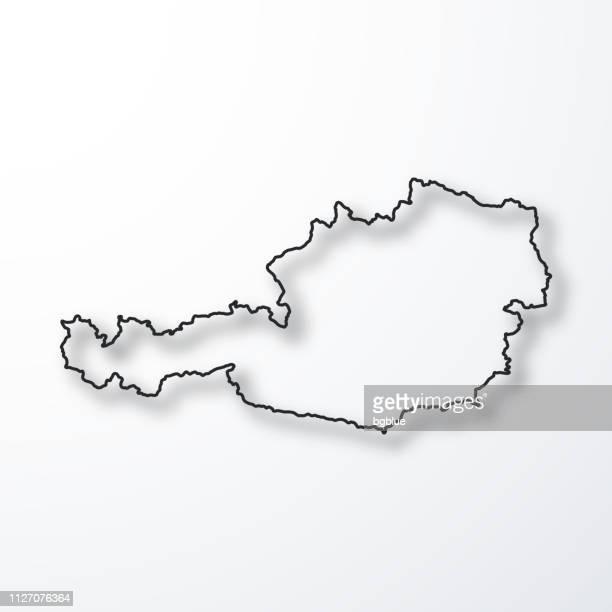österreich-landkarte - schwarze kontur mit schatten auf weißem hintergrund - konturzeichnung stock-grafiken, -clipart, -cartoons und -symbole