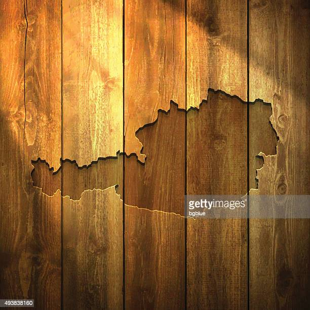 Österreich Karte auf beleuchtete hölzerne Hintergrund