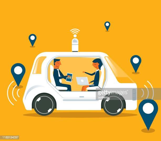 illustrazioni stock, clip art, cartoni animati e icone di tendenza di auto a guida autonoma - uomini d'affari - sensore