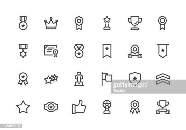 ilustraciones, imágenes clip art, dibujos animados e iconos de stock de premios - los iconos de línea - rollo de cine