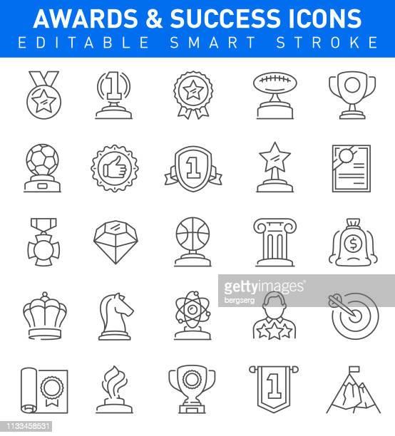 賞と成功のアイコン。編集可能なストロークコレクション - 品質点のイラスト素材/クリップアート素材/マンガ素材/アイコン素材