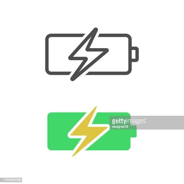 illustrazioni stock, clip art, cartoni animati e icone di tendenza di battery charging icon flat design. - attaccante