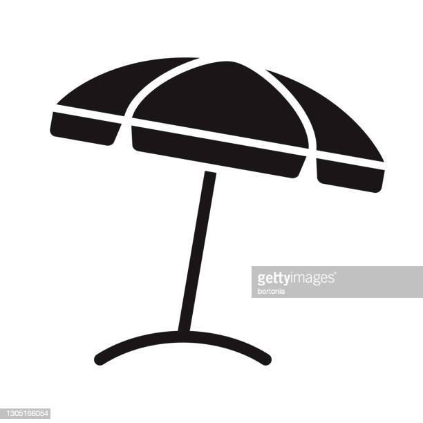 illustrations, cliparts, dessins animés et icônes de graphisme de glyph de voyage de parapluie de plage - parasol