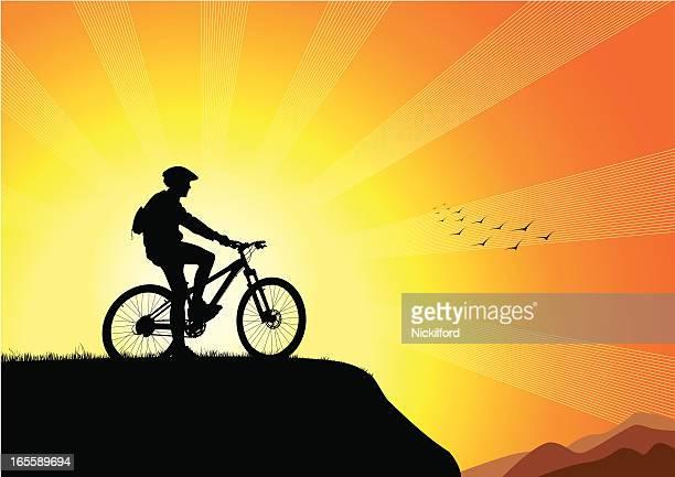 ilustrações de stock, clip art, desenhos animados e ícones de motociclista de pôr do sol - mountain bike
