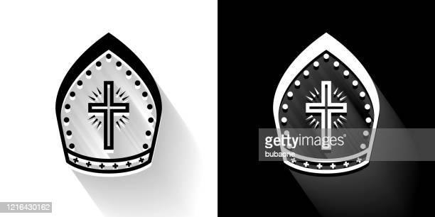 ilustrações, clipart, desenhos animados e ícones de bispo chapéu ícone preto e branco com sombra longa - bishop clergy