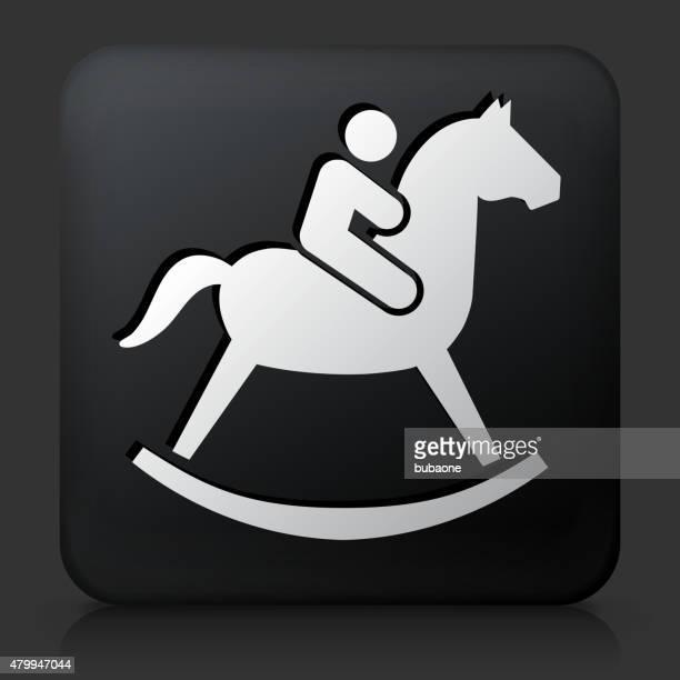 Botão quadrado preta com criança em um cavalo de Brinquedo