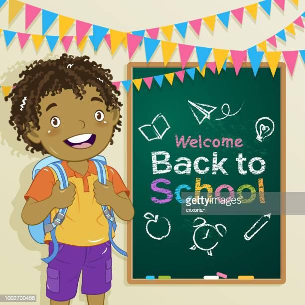 illustrations, cliparts, dessins animés et icônes de un garçon vous accueillent à la classe - première rentrée scolaire