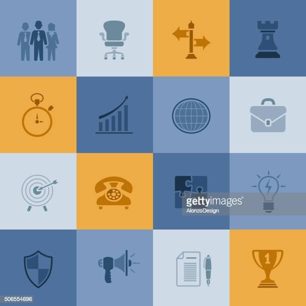 ilustraciones, imágenes clip art, dibujos animados e iconos de stock de iconos de negocios - torre pieza de ajedrez