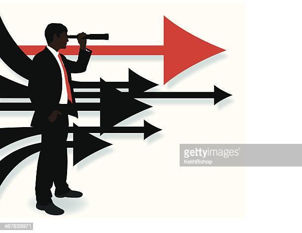 Uomo d'affari guardando avanti-frecce direzionali