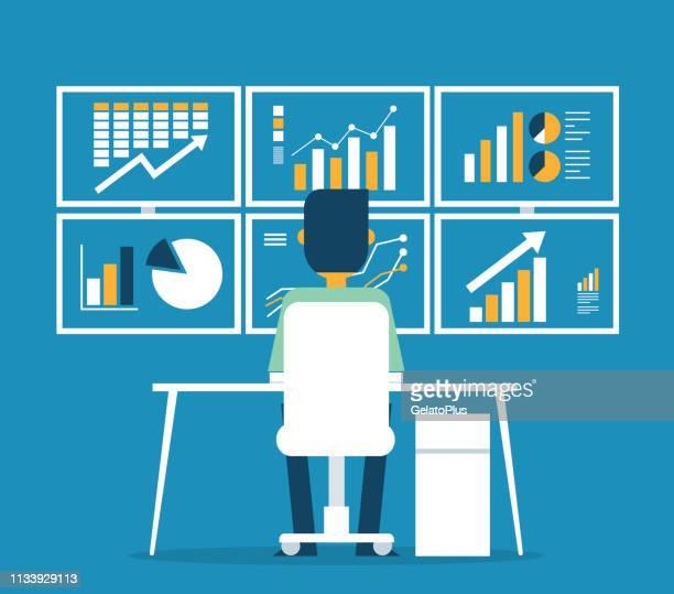 illustrations, cliparts, dessins animés et icônes de graphique d'affaires analytique d'homme d'affaires et seo sur le web - examen attentif