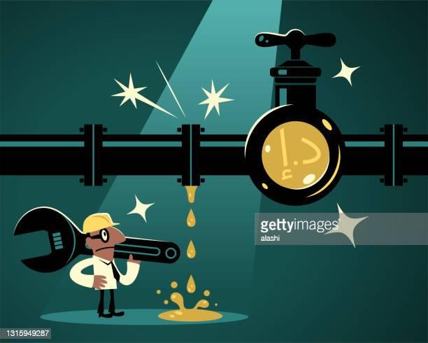 レンチを持ち、作業ヘルメットを着用したビジネスマン(配管工)は、アラブ首長国連邦の通貨記号を持つ漏れやすいパイプラインを見つけ、彼は水(お金)漏れを解決するつもりです - 水の無駄遣い点のイラスト素材/クリップアート素材/マンガ素材/アイコン素材