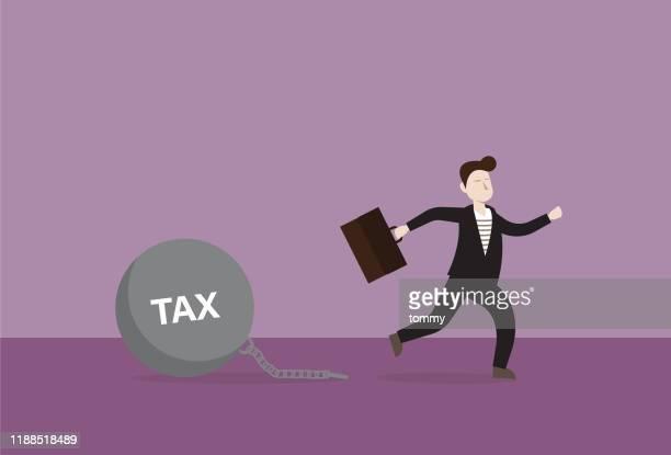 ilustraciones, imágenes clip art, dibujos animados e iconos de stock de empresario salir de impuestos - impuestosobrelarenta