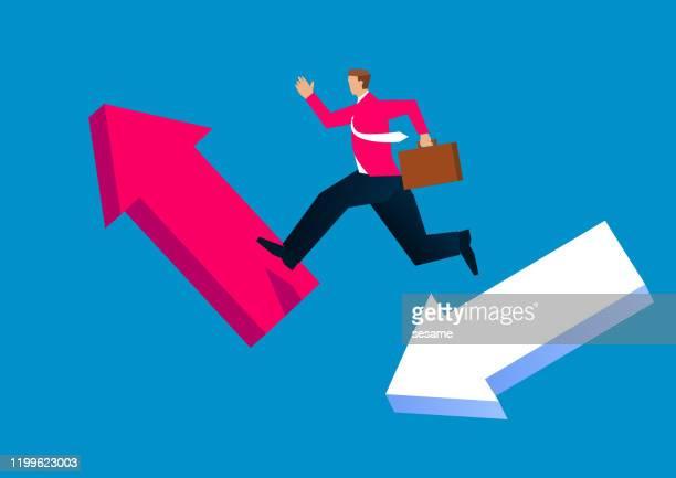 ilustrações, clipart, desenhos animados e ícones de empresário pulando de flecha caindo para flecha em ascensão - reforma assunto