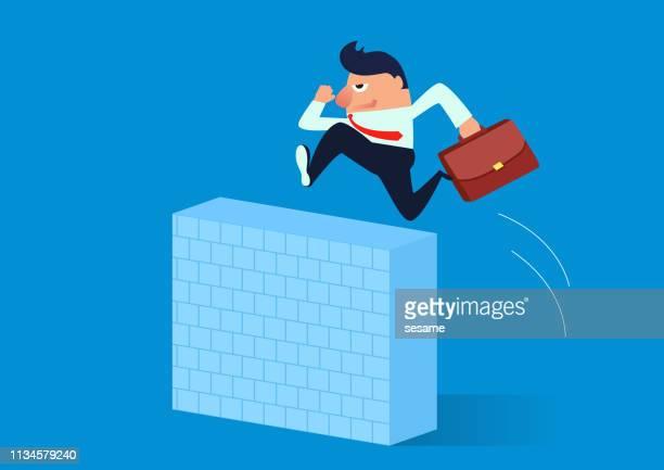 ilustraciones, imágenes clip art, dibujos animados e iconos de stock de empresario salta sobre pared alta - valla límite