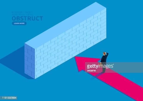 ilustraciones, imágenes clip art, dibujos animados e iconos de stock de hombre de negocios moviendo la flecha hacia adelante bloqueada por pared - uncertainty