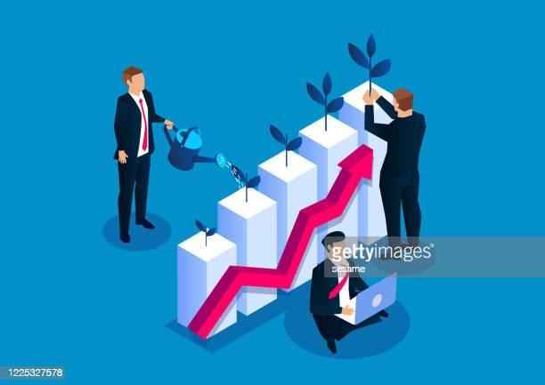 illustrations, cliparts, dessins animés et icônes de homme d'affaires plantant de petits jeunes arbres sur le graphique de barre d'arrosage, croissance de revenu d'investissement d'affaires, croissance de votre entreprise - croissance