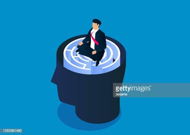 ilustrações, clipart, desenhos animados e ícones de empresário sentado de pernas cruzadas pensativo em labirinto cerebral - concentração