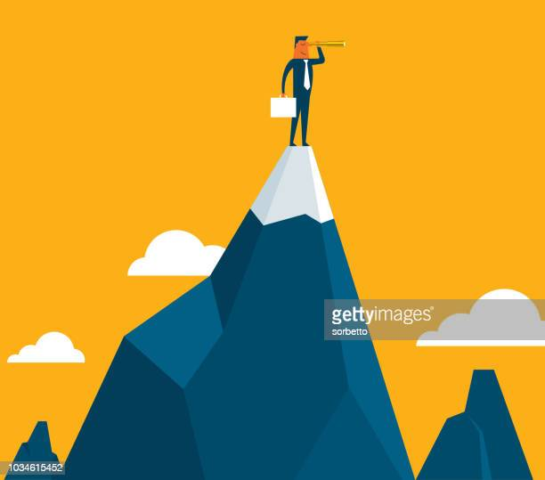 geschäftsmann, stehen oben auf dem berg - horizont stock-grafiken, -clipart, -cartoons und -symbole