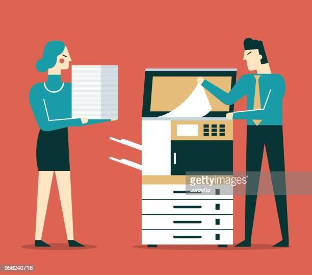 コピー機を使用しての実業家 - コピーする点のイラスト素材/クリップアート素材/マンガ素材/アイコン素材