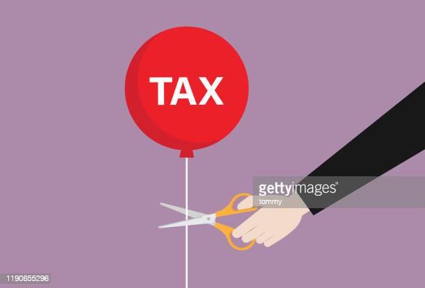 ilustraciones, imágenes clip art, dibujos animados e iconos de stock de empresario con tijeras cortar un globo fiscal - impuestosobrelarenta