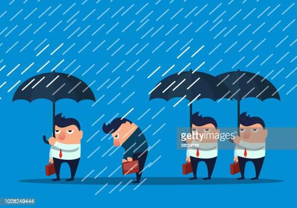 Unternehmers ohne Schirm im Regen