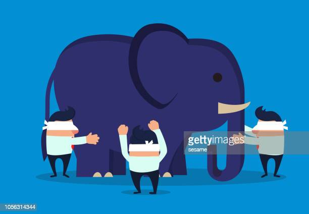 ilustraciones, imágenes clip art, dibujos animados e iconos de stock de los empresarios le vendaron los ojos y tocaron el elefante - ojos tapados