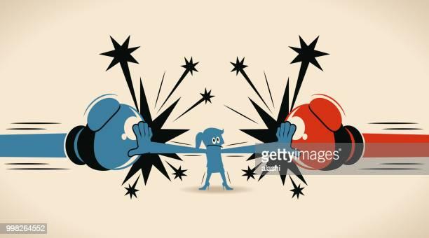 illustrations, cliparts, dessins animés et icônes de femme d'affaires bloquer jabs & straight poinçons (grand gant de boxe), conflit arrêt femme - courage