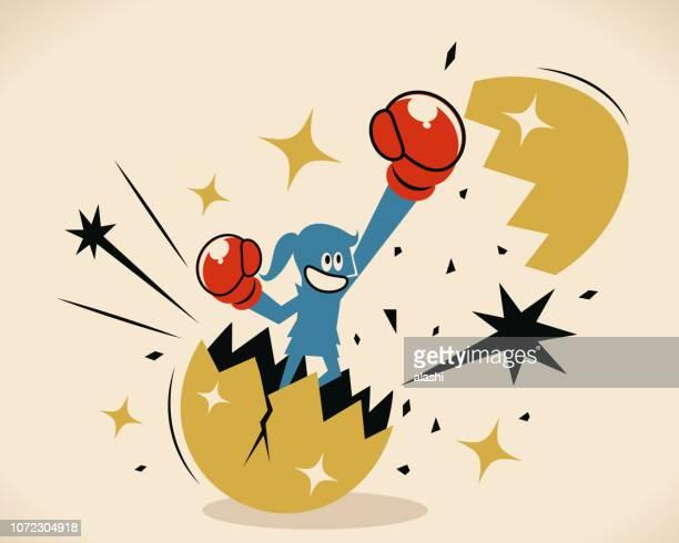 illustrations, cliparts, dessins animés et icônes de femme d'affaires briser et sauter d'une coquille d'oeuf géant avec poigne de poinçonnage de l'air avec le gant de boxe - courage