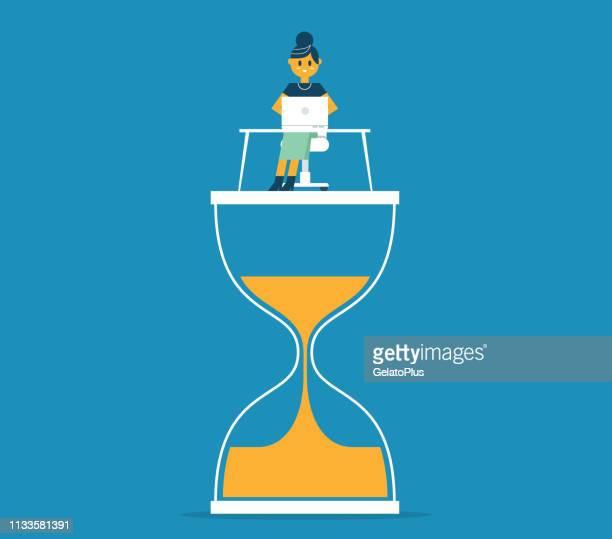 ilustrações, clipart, desenhos animados e ícones de mulher de negócios que senta-se no hourglass com portátil - cronômetro instrumento para medir o tempo