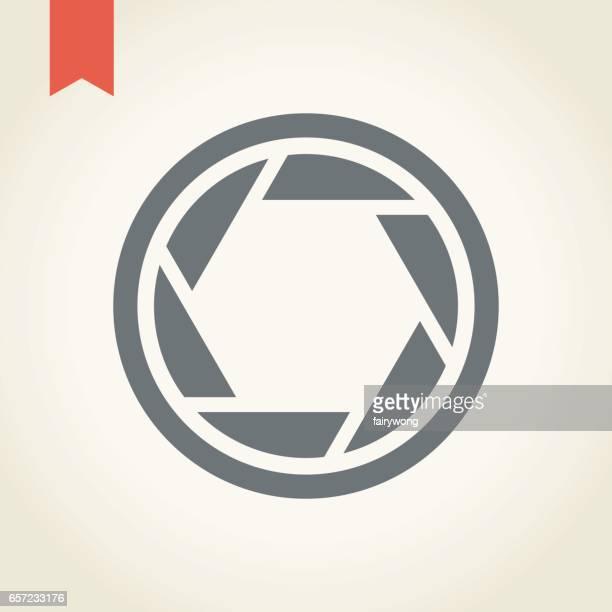 ilustraciones, imágenes clip art, dibujos animados e iconos de stock de icono del obturador de la cámara - apuntar