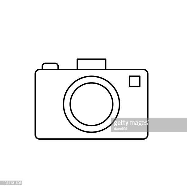 illustrazioni stock, clip art, cartoni animati e icone di tendenza di icona estate fotocamera stile linea sottile - temi per la fotografia