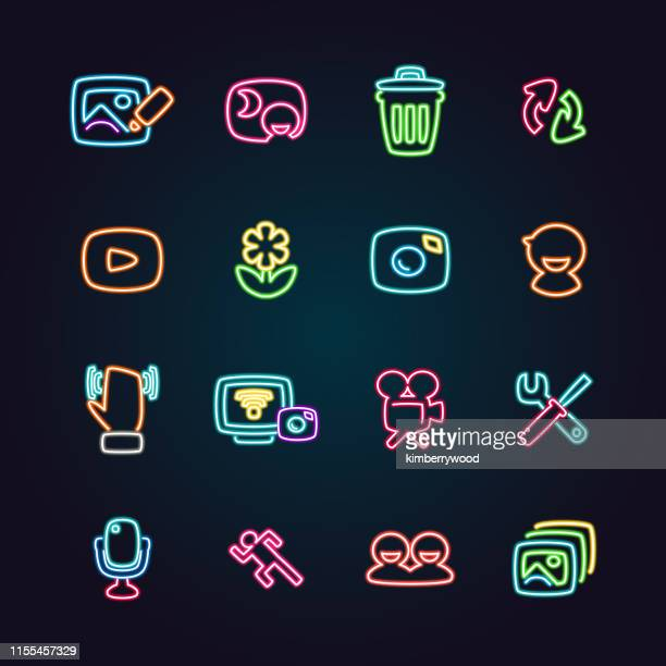 ilustraciones, imágenes clip art, dibujos animados e iconos de stock de cámara - letrero de neón