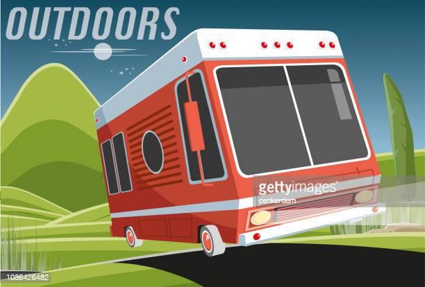 illustrations, cliparts, dessins animés et icônes de caravane dans la nuit - camping car