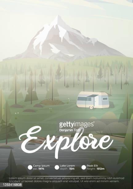 ilustraciones, imágenes clip art, dibujos animados e iconos de stock de camping caravana en el cartel de las montañas - campamento de entrenamiento deportivo