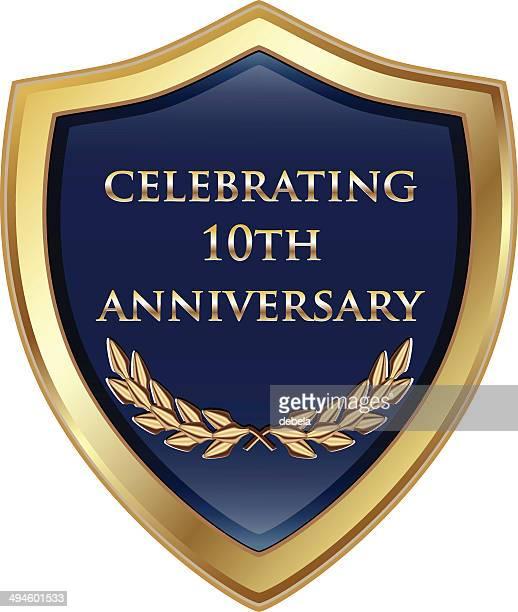 10 周年記念のお祝いシールド - 記念の盾点のイラスト素材/クリップアート素材/マンガ素材/アイコン素材