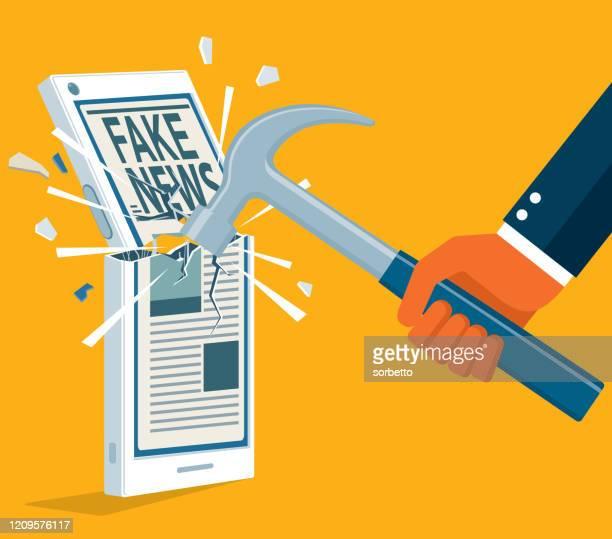 ilustraciones, imágenes clip art, dibujos animados e iconos de stock de teléfono celular siendo golpeado con un martillo - fake news