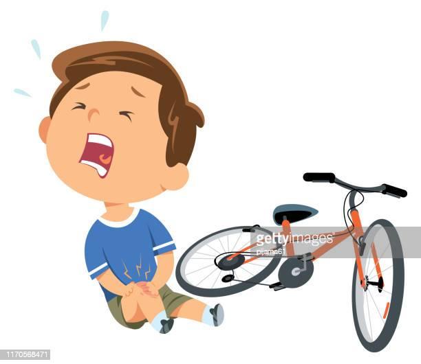 illustrations, cliparts, dessins animés et icônes de enfant tombant de son vélo et pleurant - plaie