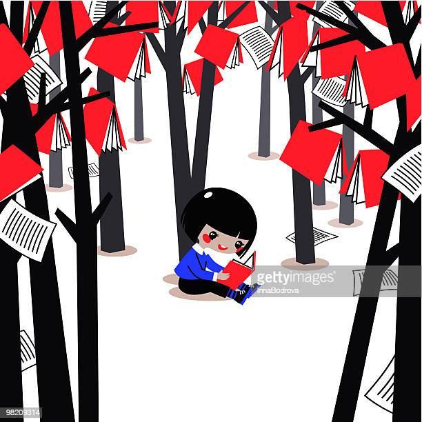 Kind im Wald von Büchern.