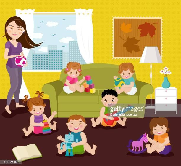 illustrations, cliparts, dessins animés et icônes de enfants jouant avec des jouets à l'intérieur de la maison. - confinement clip art