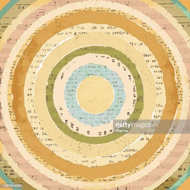 kreisförmige vintage zerrissen papiere collage hintergrund - clipart stock-grafiken, -clipart, -cartoons und -symbole
