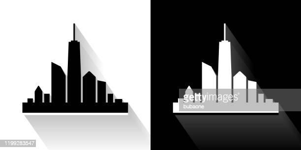 長い影を持つ都市スカイライン黒と白のアイコン - 全景点のイラスト素材/クリップアート素材/マンガ素材/アイコン素材