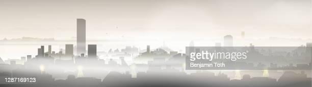 illustrations, cliparts, dessins animés et icônes de ville avec le problème de pollution - brouillard