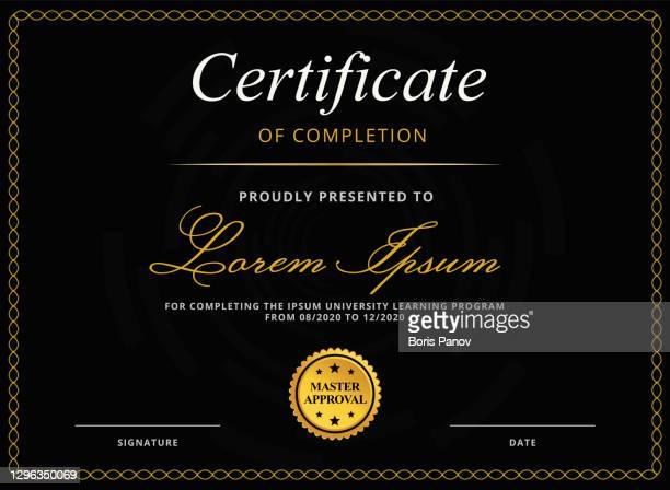 stockillustraties, clipart, cartoons en iconen met klassieke diploma of certificaat sjabloon voor e-learning education voltooiing in luxe zwarte en gouden kleuren met gouden stempel - gala