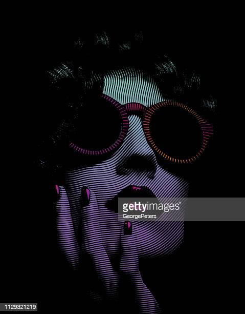 porträt der glamouröse frau gesicht nahaufnahme - attraktive frau stock-grafiken, -clipart, -cartoons und -symbole